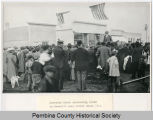Governor John Burke and crowd, Hensel, N.D.