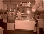 Red Owl doughnut machine, Williston, N.D.